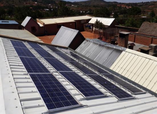 Electrification – MADAGASCAR – Fraternité Sainte Thérèse